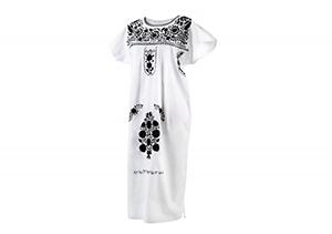 Vestido Blanco bordados negros