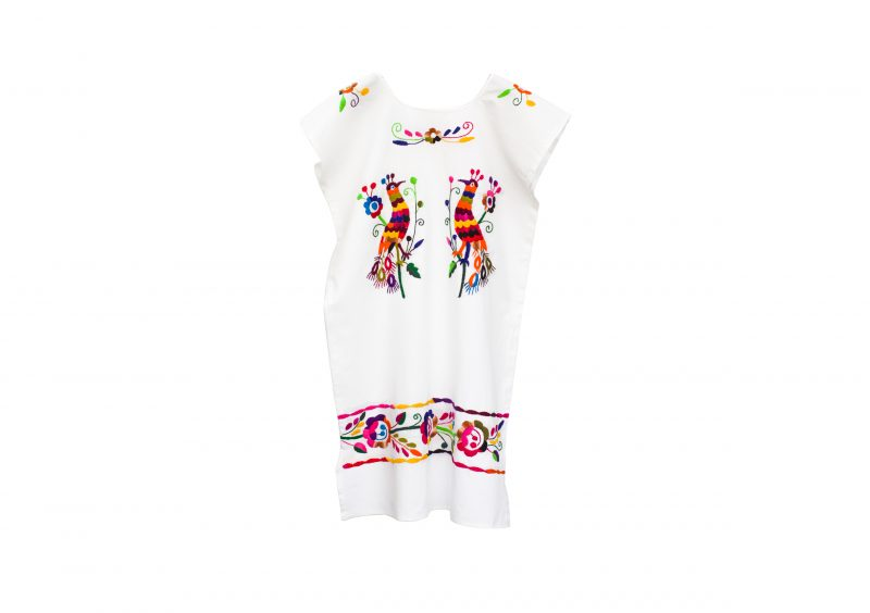Vestido bordado, vestido mexicano, bordado a mano, hecho artesanalmente, look verano, look noche de verano.